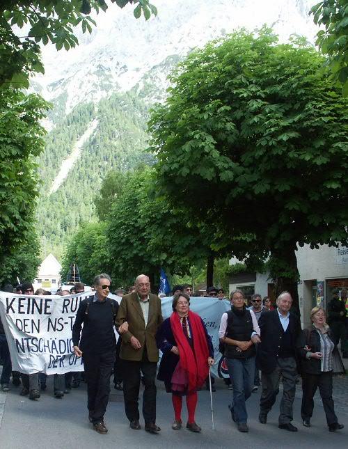 30. Mai 2009: Demonstration durch Mittenwald (Foto: www.keine-ruhe.org)