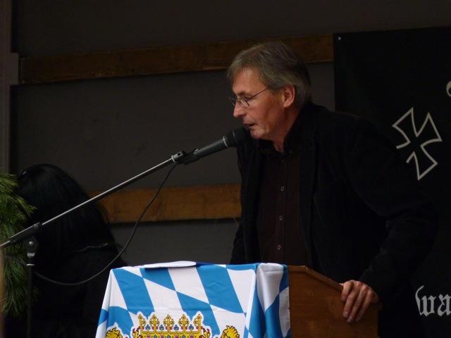 Roland Wuttke beim neonazistischen sog. Heldengedenkmarsch 2009  Bild: a.i.d.a.