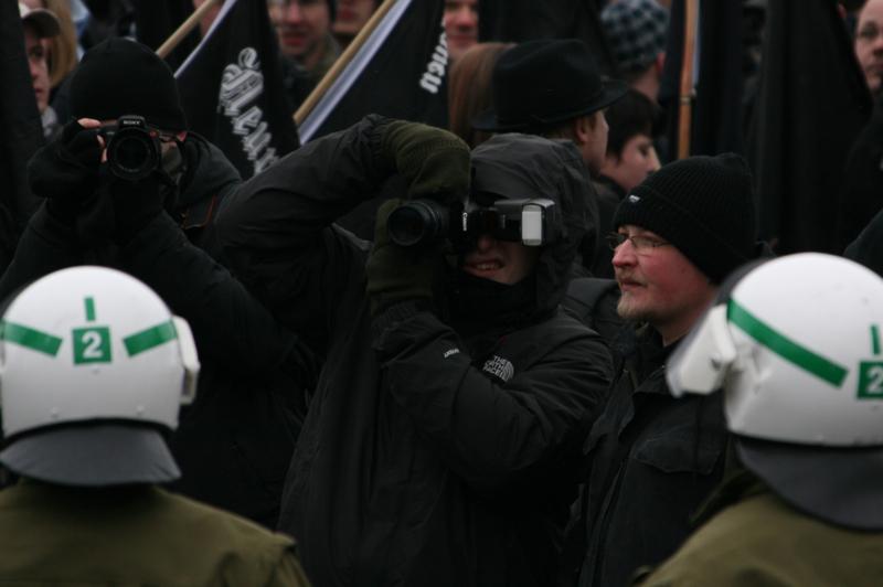 Anti-Antifa-Arbeit: Sebastian Schmaus und Michael R. in Dresden, 2010.  Foto: Robert Andreasch