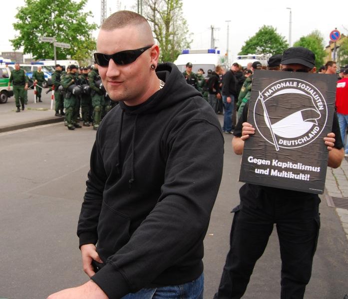 Daniel Weigl beim Aufmarsch des Freien Netz Süd in Schweinfurt.  Foto: Robert Andreasch