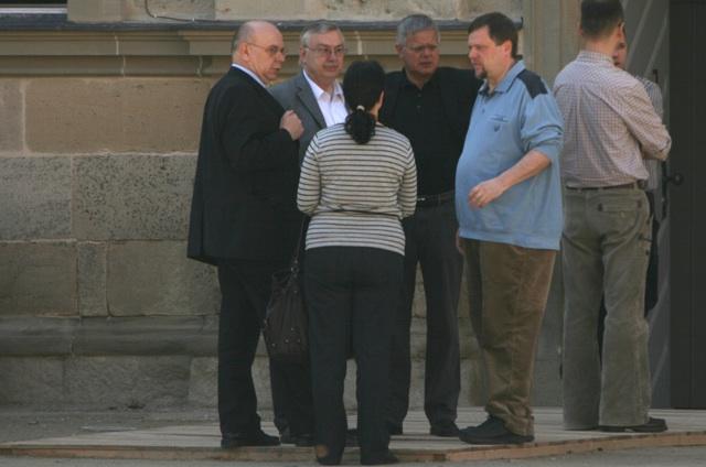 Dietmar Munier im Gespräch mit Peter Marx, Harald Neubauer u. a.  Foto: Robert Andreasch