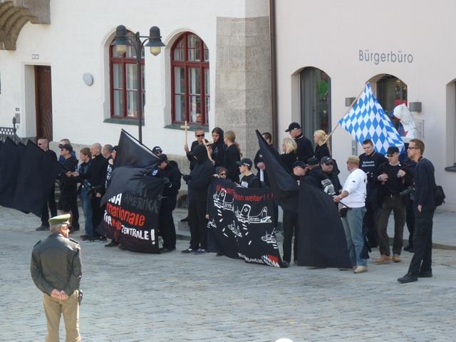 Kundgebung auf dem Freisinger Marienplatz. Foto: a.i.d.a.