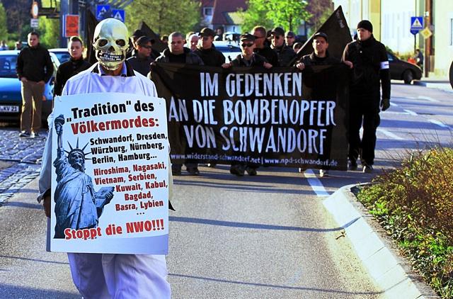 Aufmarsch am 17. April 2011 in Schwandorf. Foto: Jan Nowak