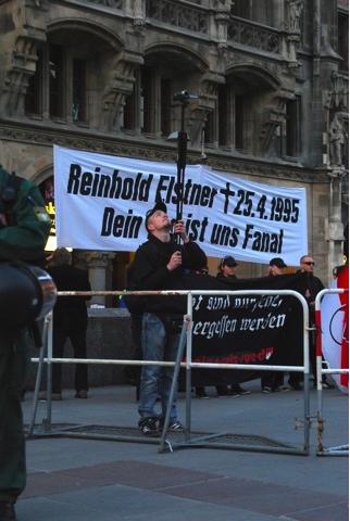 Anti-Antifa-Aktivisten dokumentieren die Gegendemonstrant_innen.  Foto: Robert Andreasch