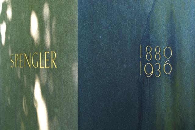 Grabstein für Oswald Spengler auf dem Münchner Nordfriedhof. Foto: Robert Andreasch