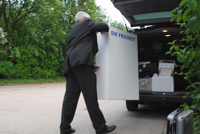 Abfahrt der DF-Bundesvorstandsmitglieder aus Unterhaching.  Foto: Robert Andreasch