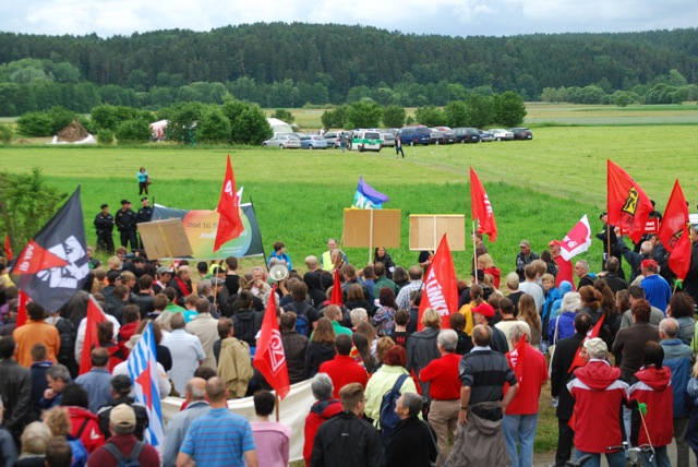 Großer Protest gegen den NPD-'Bayerntag'.  Foto: Robert Andreasch