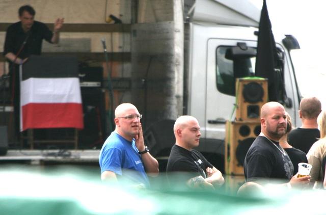 Die führenden Aktivisten der 'KS München' sind angereist (Norman Bordin, Karlheinz Statzberger, Thomas Huber).  Foto: Robert Andreasch