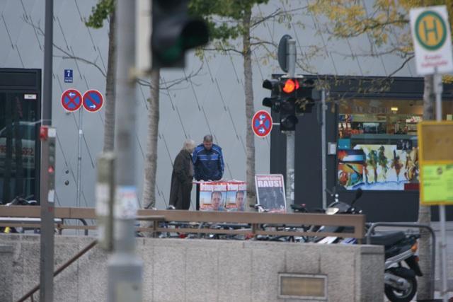 Die BIA zeigt 'Präsenz' am Bahnhof Giesing.  Foto: FTD
