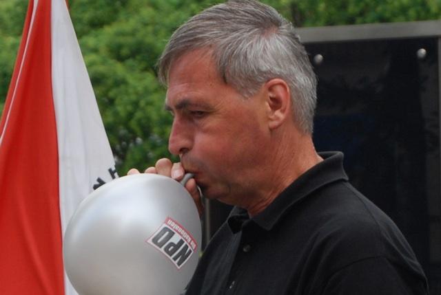 Kundgebungsanmelder Roland Wuttke. Foto: Robert Andreasch