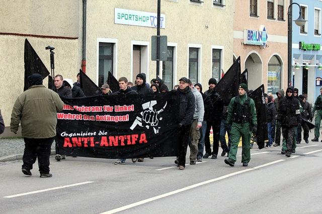 Drohungen gegen Antifaschistinnen und Antifaschisten.  Foto: Jan Nowak