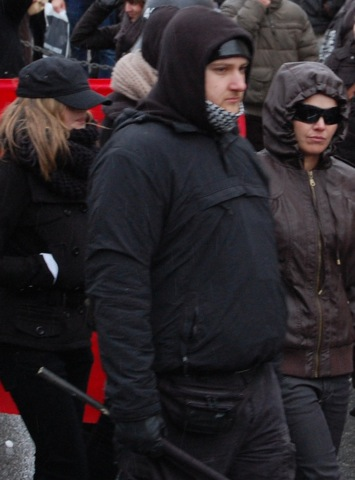 Nach ihm fahndete die Polizei wegen des rassistischen Überfalls von Ottobrunn: Aufmarschteilnehmer Stephan Wörle  Foto: Shadow