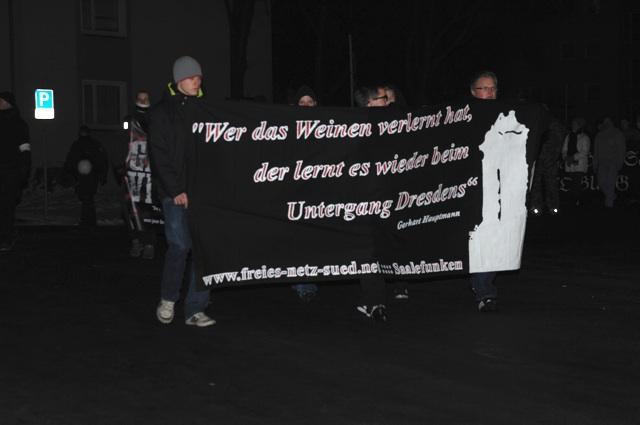 Die 'Kameradschaft Saalefunken' um Jan B. (l.) und Maximilian M. (r.). Foto: Robert Andreasch