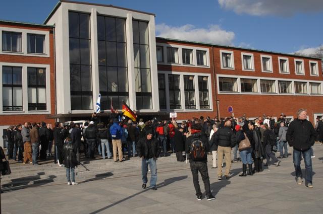 Michael Stürzenbergers Auftritt bei der kleinen Kundgebung in Aarhus.  Foto: Robert Andreasch