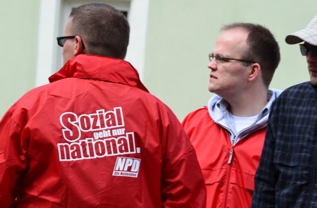 Der NPD-Kreisvorsitzende Johannes Hühnlein (r.) aus Kronach.  Foto: LS
