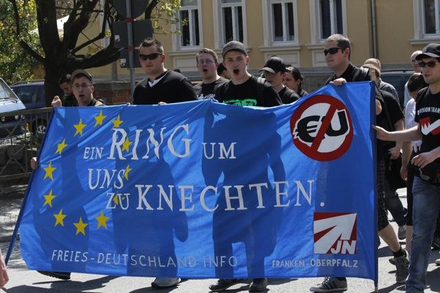 Neonazis der bayerischen JN im sächsischen Bautzen. Foto: a.i.d.a.