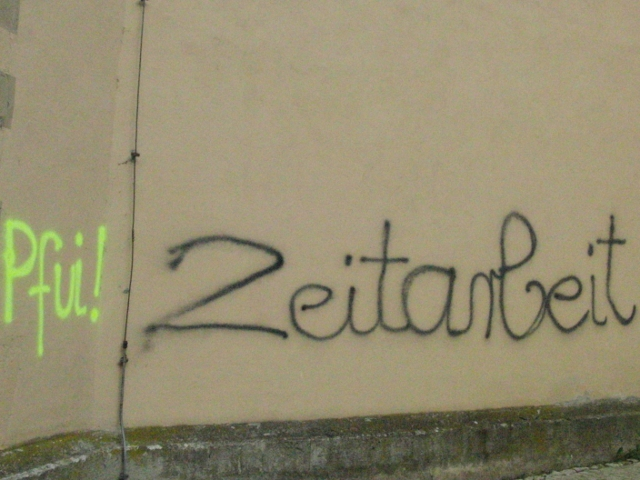 Neonazistische Parolen an der Kirchenwand.  Foto: linksunten.indymedia.org (CC-Lizenz)