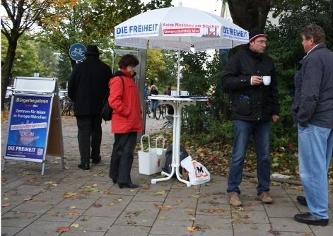 'Die Freiheit'-Infostand in München-Laim. Foto: Tim Karlson