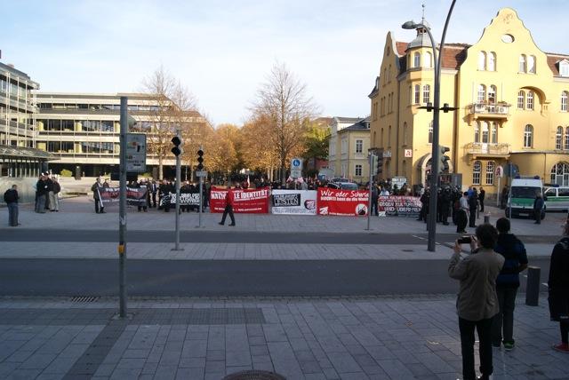 Neonaziaufmarsch am Bahnhof Coburg.  Foto: provinciafranconia.blogsport.de