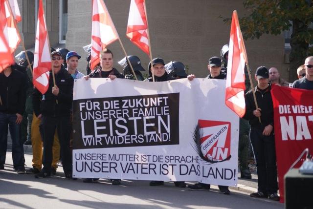 Transparent der 'Jungen Nationaldemokraten' (JN) in Coburg. Foto: provinciafranconia.blogsport.de