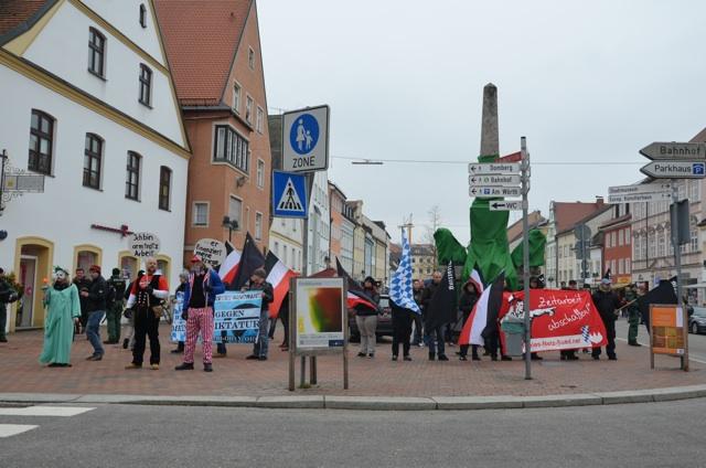 Die Kundgebung im Rahmen des FNS-'Aktionstages'. Foto: recherche-bayern