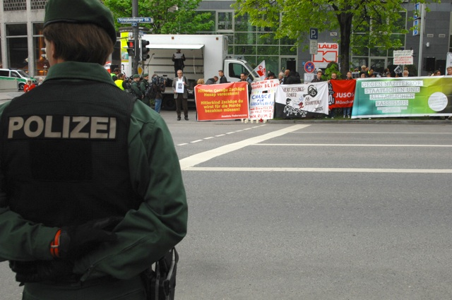 Antifaschistische Kundgebung an der Nymphenburger Straße.  Foto: Robert Andreasch/NSU-watch