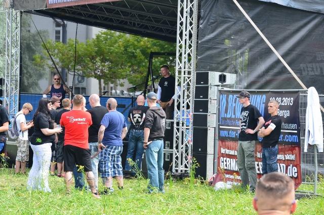 Matthias Fischer auf der Bühne beim 'Rock für Deutschland' in Gera.  Foto: recherche-bayern