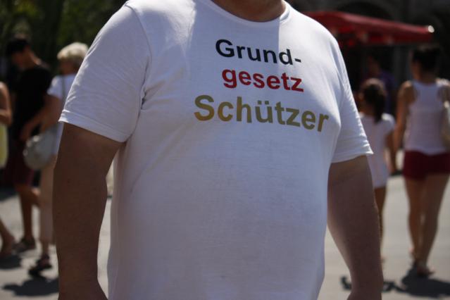 'Grundgesetzschützer'. Foto: Tim Karlson