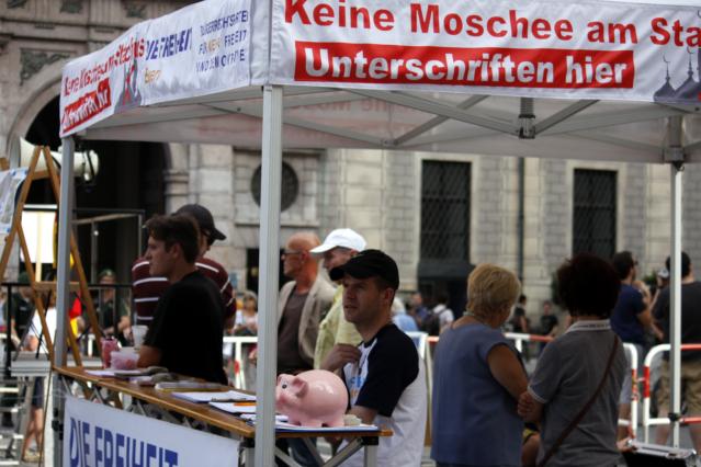 Der Pavillion der Rechtspopulist_innen. Foto: Tim Karlson