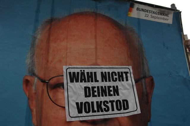 Neonazistische Propaganda, verklebt in der Landsbergerstraße. Foto: Robert Andreasch