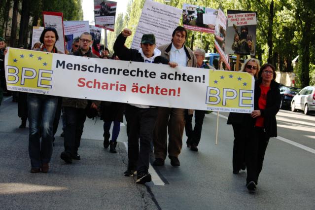 Die antimuslimische Demonstration. Foto: Tim Karlson