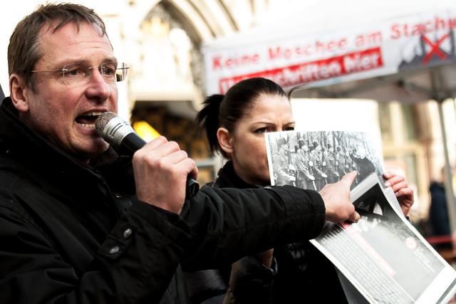 Dauerredner Michael Stürzenberger. Foto: Tim Karlson