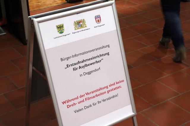Bürger_innenversammlung in Deggendorf. Foto: Jan Nowak