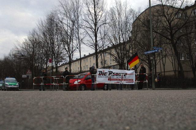 13. Kundgebung Karl-Köglsperger-Straße.  Foto: Robert Andreasch
