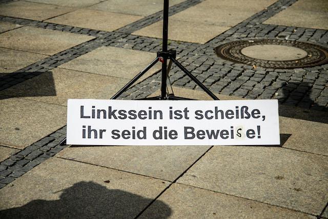 Die rechtspopulistische DF und ihre Schilder... Foto: Sascha Arnhoff