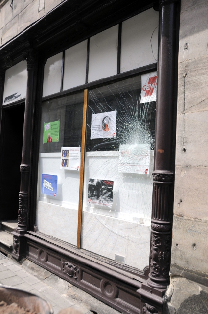 Das GEW-Büro nach dem Anschlag. Foto: Fürther Bündnis gegen Rechtsextremismus und Rassismus