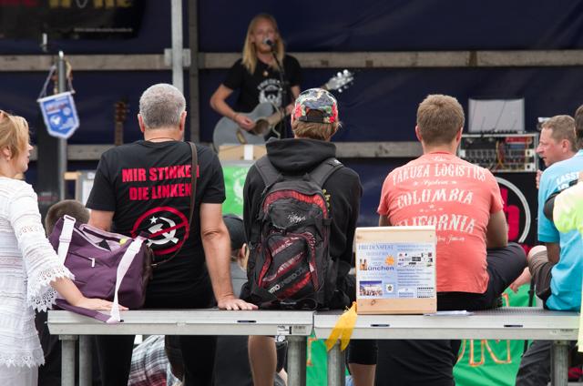 Friedensfusion auf dem Wittelsbacherplatz. Foto: Sascha Arnhoff
