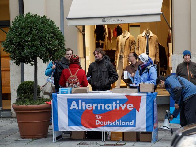Tisch der 'Alternative für Deutschland' bei der Kundgebung.  Foto: Reflektierter Bengel