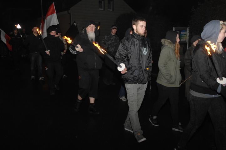 Der neonazistische Fackelmarsch durch Wunsiedel.  Foto: Robert Andreasch