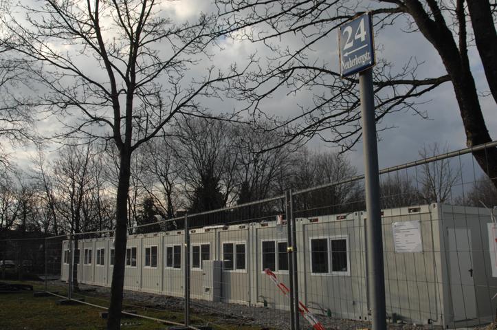 Diese Wohncontainer an der Neuherbergstraße sollten durch die Anschläge zerstört werden. Foto: Robert Andreasch