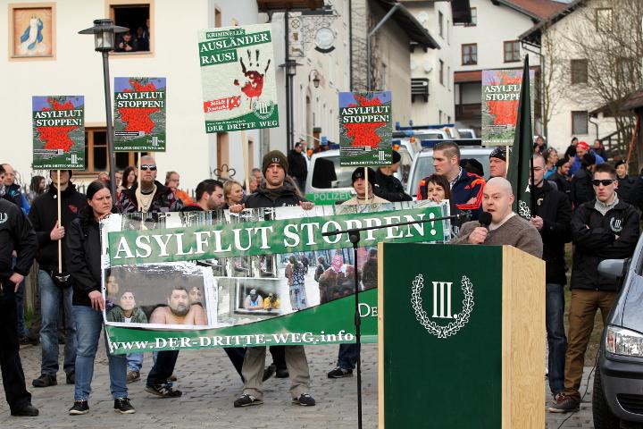 Redner bei der Kundgebung in Arnbruck: Karl Heinz Statzberger.  Foto: Jan Nowak