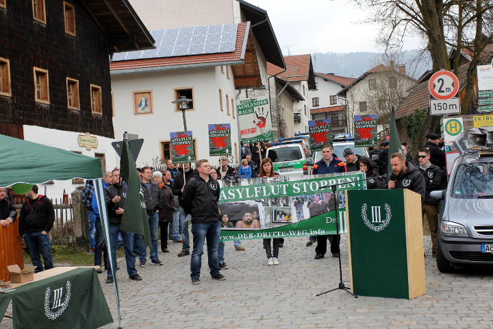 Die neonazistische Kundgebung in Arnbruck. Foto: Jan Nowak