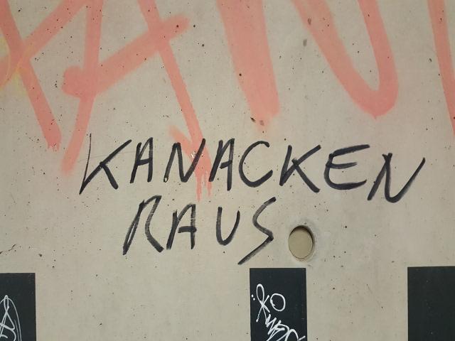 Eine der neonazistischen Schmierereien am S-Bahnhof Berg am Laim. Foto: a.i.d.a.