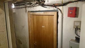 Der Zugang zum Neonazi-Keller. Foto: a.i.d.a.
