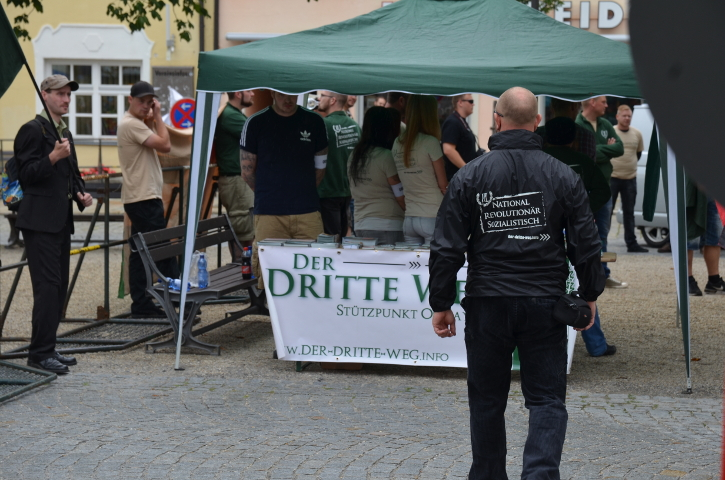 Infostand des 'Dritten Wegs'.  Foto: Marcus Buschmüller