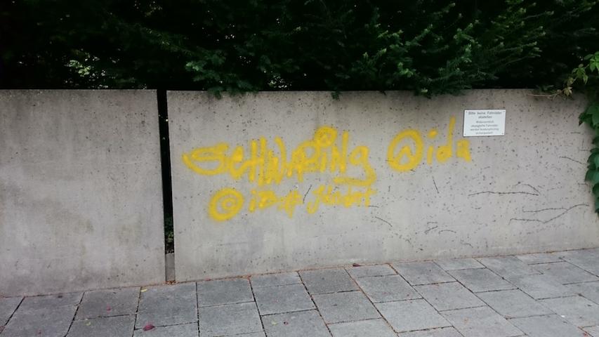 Sachbeschädigungen in der Germaniastraße.  Foto: Robert Andreasch