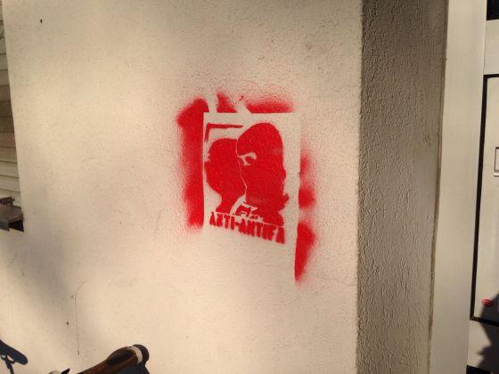 Neonazistisches Schablonen-Graffiti. Foto: Bündnis Nazistopp Nürnberg