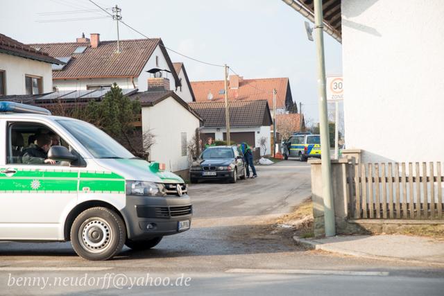 Razzia beim 'Bundesstaat Bayern' in Pliening.  Foto: Benny Neudorff