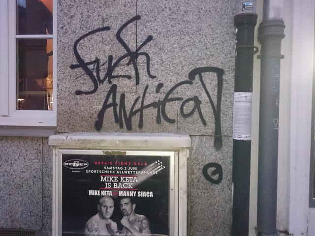 Rechtes Graffiti in der Müllerstraße. Foto: a.i.d.a.